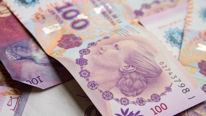 Geld tauschen Pesos Dollar Argentinien