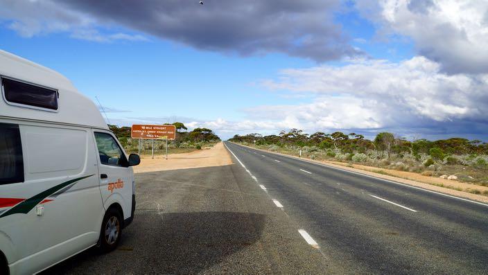 Australia Road Trip 90 Mile Straight