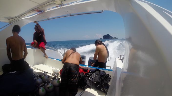 Scubadiving Koh Lanta speed boat