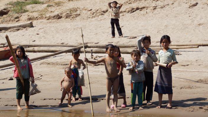 Laos Mekong Kids