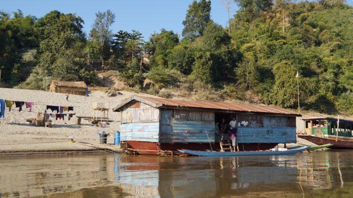 Laos Mekong People