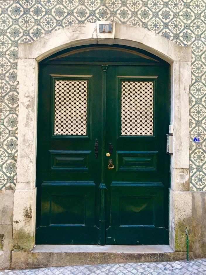 Lissabon Tür, Bairro Alto
