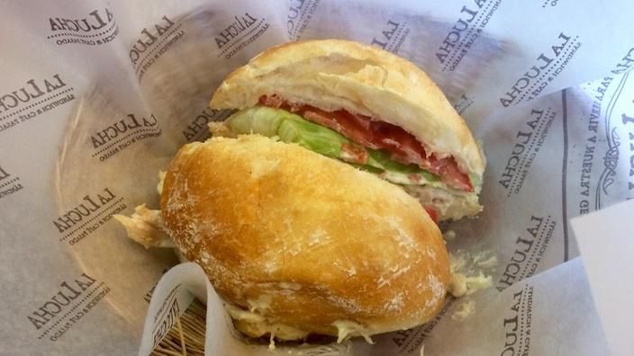 Sandwich bei La Lucha in Arequipa
